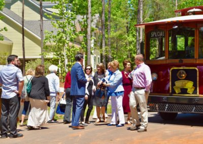 Tour trolley and crowd